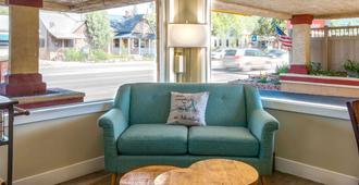 Econo Lodge Inn & Suites Durango - Durango - Σαλόνι ξενοδοχείου