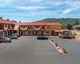 Econo Lodge Inn & Suites Durango - Durango - Edificio