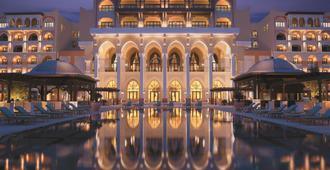 Shangri-La Hotel Qaryat Al Beri, Abu Dhabi - Abu Dhabi - Bygning