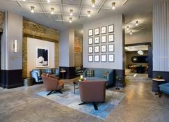 Cyrus Hotel - Topeka - Lobby
