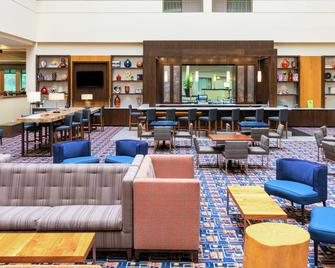 Doubletree Suites by Hilton Hotel Philadelphia West - Plymouth Meeting - Lounge