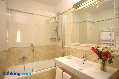 Clarion Collection Hotel Principessa Isabella - Rome - Bathroom