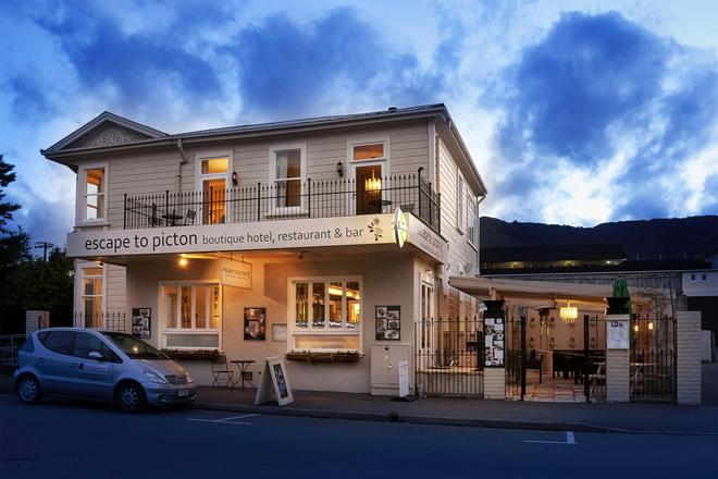 Escape To Picton - Picton - Building