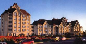 Le St-Martin Hotel & Suites Laval - Laval - Building