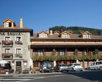 Hosteria Peña Sagra - Potes - Building