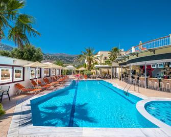 Bella Elena - Mália - Pool