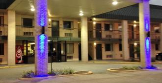 Americas Best Value Inn Winona - Winona - Building