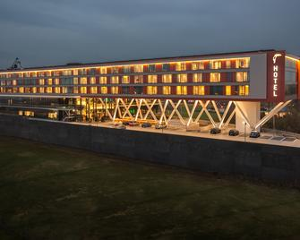 Van Der Valk Hotel Veenendaal - Veenendaal - Building
