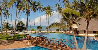 Ocean Paradise Resort & Spa - Pwani Mchangani - Piscina