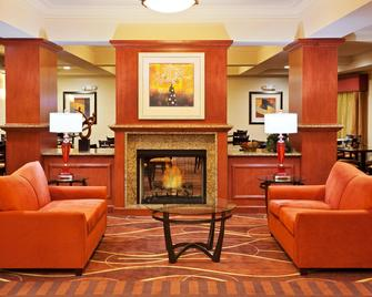 Holiday Inn Express Chehalis-Centralia, An IHG Hotel - Chehalis - Вітальня