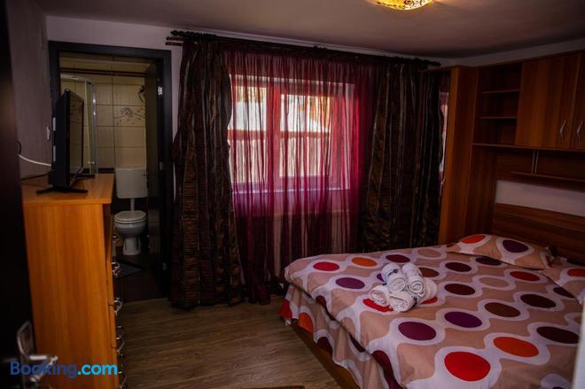 Casa Andra - Baia de Fier - Bedroom