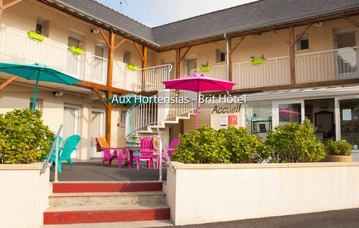 Brit Hotel Aux Hortensias - Lannion - Building
