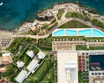 Minos Palace Hotel & Suites - Adults Only - Agios Nikolaos - Gebouw
