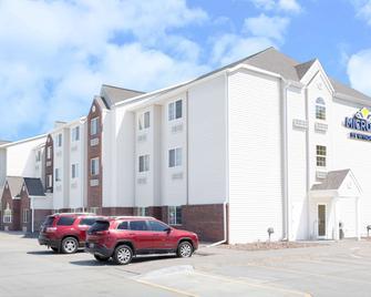 Microtel Inn & Suites by Wyndham Kearney - Kearney - Edificio