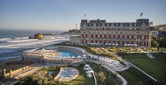 Hotel du Palais Biarritz In The Unbound Collection By Hyatt - Biarriz - Vista del exterior