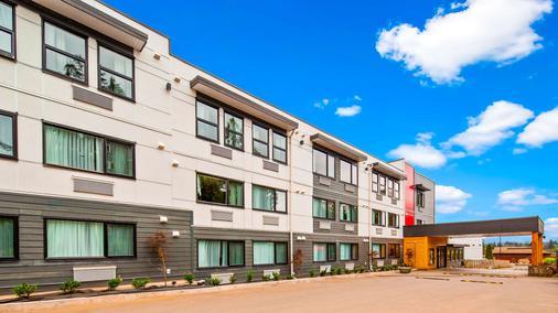 Best Western Cowichan Valley Inn - Duncan - Building