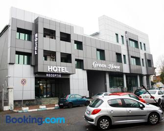Hotel Green House - Craiova - Gebouw