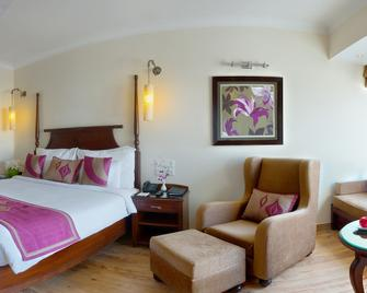 Royal Orchid Fort Resort - Mussoorie - Bedroom