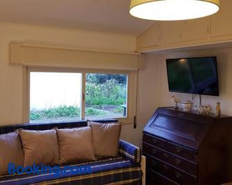 Casa do Jardim (Garden House) - Vila do Conde - Living room