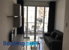 The Village Apartments - Saint Paul's Bay - Living room