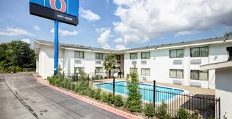 Motel 6 Dallas South - Dallas - Edificio