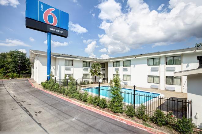 南達拉斯 6 號汽車旅館 - 達拉斯 - 達拉斯 - 建築