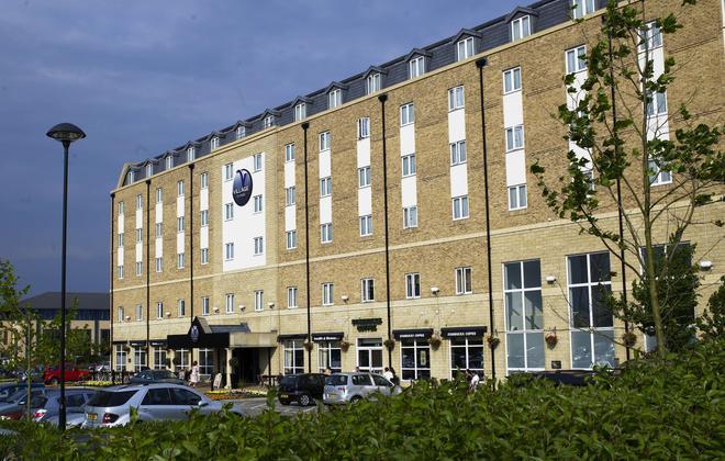 Village Hotel Bournemouth - Bournemouth - Κτίριο