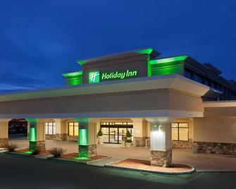 Holiday Inn & Suites Marlborough - Marlborough - Gebäude