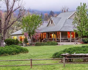 Sierra Sky Ranch Ascend Hotel Collection - Oakhurst - Edificio