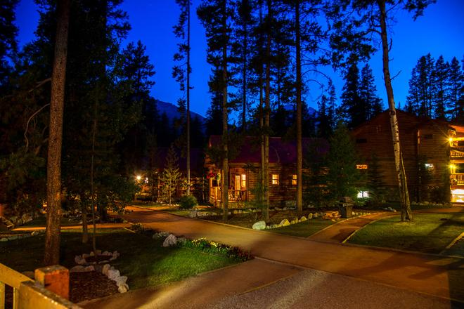 Baker Creek Mountain Resort - Lake Louise - Edificio