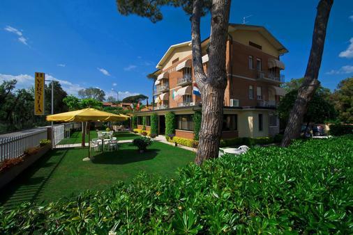 Hotel Versilia - Camaiore - Building