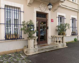 The Originals Boutique, Hôtel du Parc, Cavaillon (Inter-Hotel) - Кавайон - Building