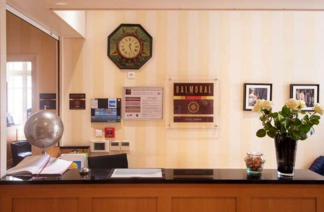 Hôtel Dinard Balmoral - Dinard - Front desk