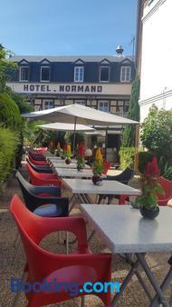 Hotel Normand Yport - Yport - Balcony