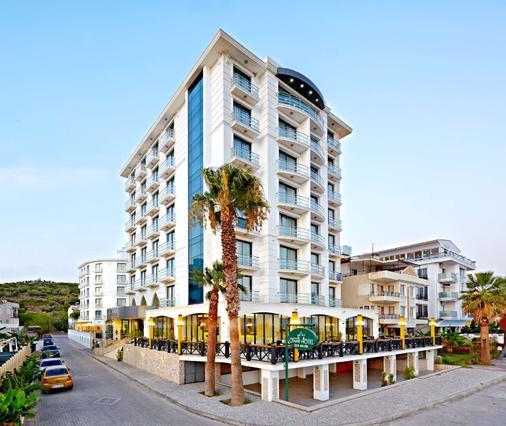 Ayvalik Cinar Hotel - Sarimşakli - Building