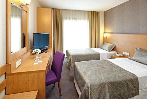 Ayvalik Cinar Hotel - Sarimşakli - Bedroom