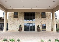 Hampshire Hotel Ballito Durban - Ballito - Building