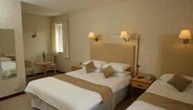 New County Hotel - Perth - Bedroom