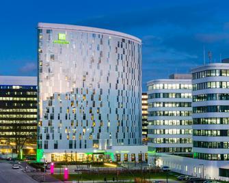 Holiday Inn Hamburg - City Nord - Hamburgo - Edificio