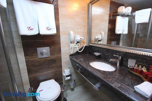 Grand Corner Hotel - Boutique Class - Izmir - Bathroom