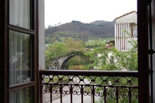 Puente Romano - Cangas de Onís - Balcony