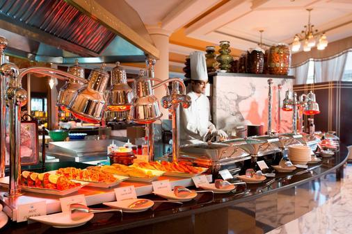 軍官俱樂部酒店 - 阿布達比 - 阿布達比 - 自助餐