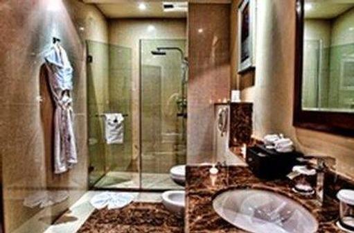 Concorde Hotel Doha - Doha - Bathroom