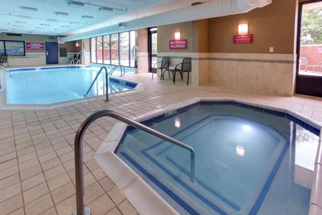 納什維爾機場愛普德魯利套房酒店 - 納什維爾 - 納什維爾(田納西州) - 游泳池