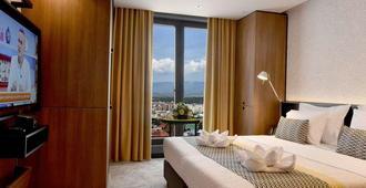 Hotel Panoramika - Skopje - Habitación