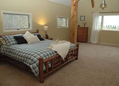Songbird Haven–majestic VT Timberframe, Dog-Friendly Home Along The White River - Rochester - Makuuhuone