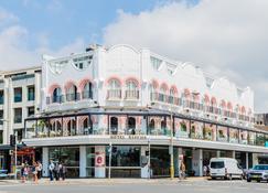 Hotel Ravesis - Sydney - Building