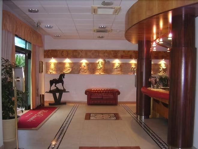 Hotel Daniela - Tarent - Lobby