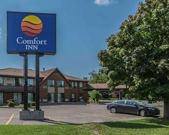 Comfort Inn Cobourg - Cobourg - Building