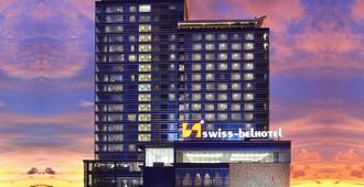 Swiss-Belhotel Makassar - Makassar - Building